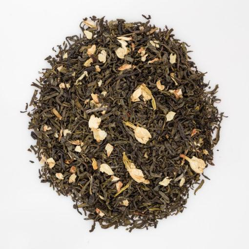 zielona herbata z płatkami jaśminu