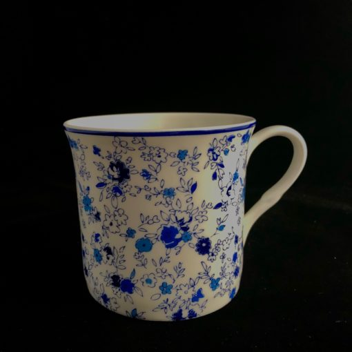 porcelanowy kubek w kwiatki