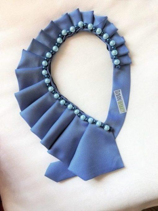 naszyjnik z jedwabnego krawata