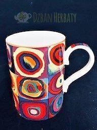 kubek porcelanowy z motywami z obrazów Kandinskiego